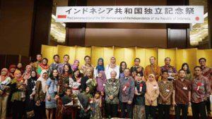 たくさんのインドネシア留学生が参会